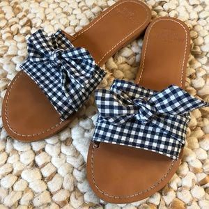 Abercrombie & Fitch gingham bow slides